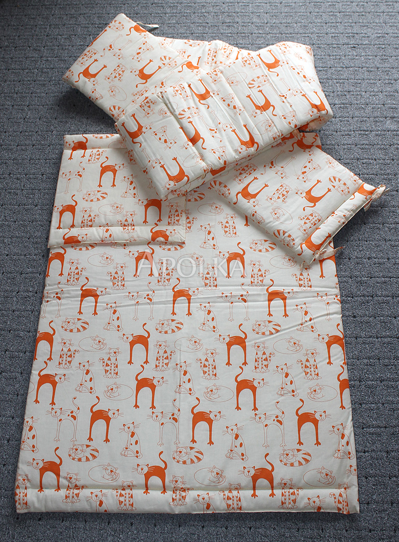 Narancs cicás babatakaró és párna. (fejvédő nincs hozzá) A takaró 2200 Ft