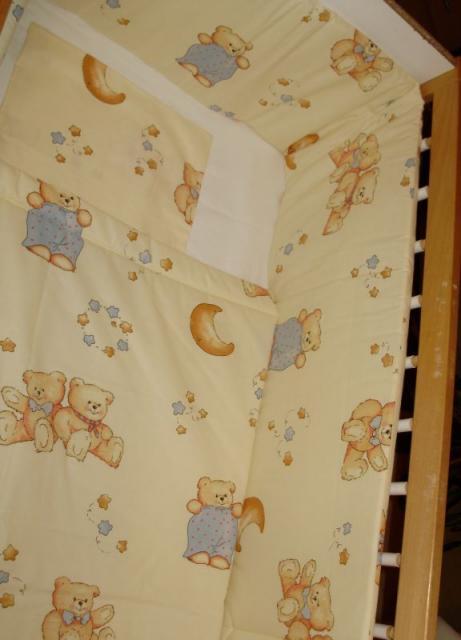 Baba, bébi takaró, fejvédő, párna ágynemű szett.